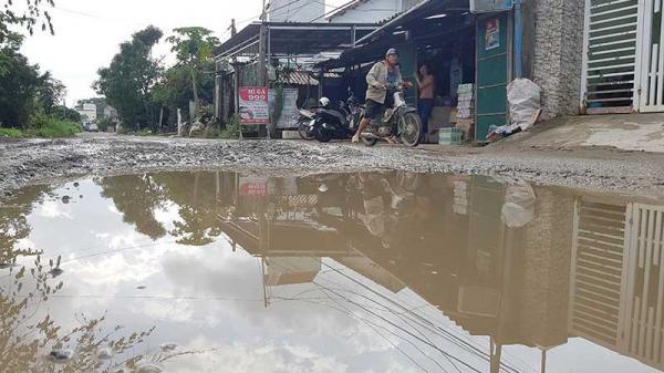 Đà Nẵng: Dân khốn khổ vì đường phục vụ thi công cao tốc bị băm nát
