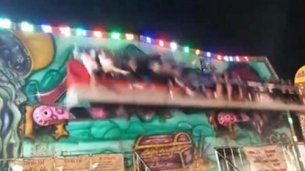 Khoảnh khắc kinh khủng: Vòng xoay cảm giác mạnh bất ngờ bị đứt dây an toàn khiến 6 người rơi xuống đất bị thương nặng