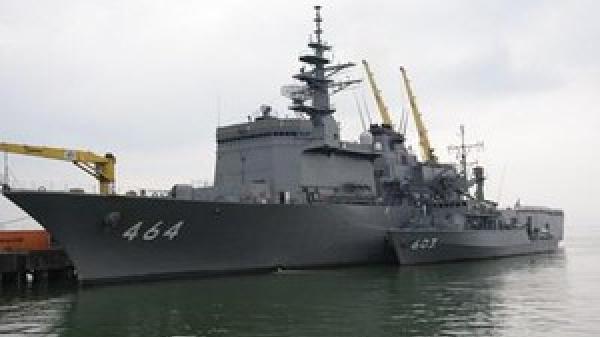Tàu quét mìn gần 6.000 tấn Nhật Bản cập cảng Đà Nẵng