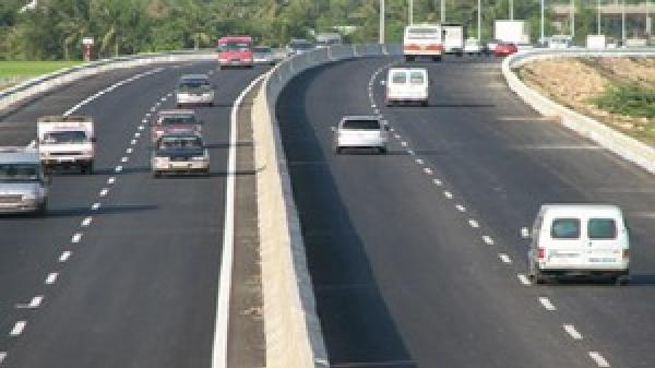 Đà Nẵng: Nhiều doanh nghiệp vận tải bị thu hồi phù hiệu phương tiện vi phạm tốc độ