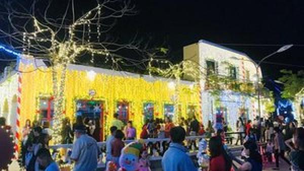 Ngắm nhìn Đà Nẵng lung linh sắc màu trước thềm Noel