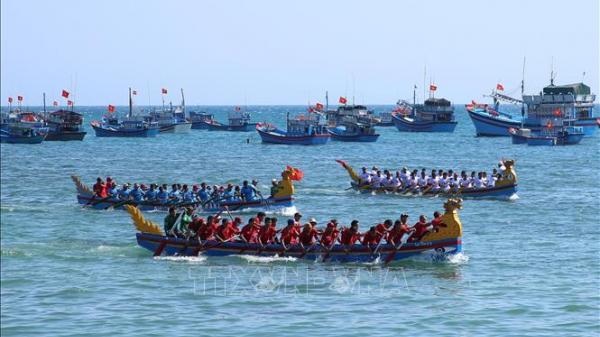Ninh Thuận khai hội mở lạch vươn khơi đánh bắt hải sản đầu Xuân 2020
