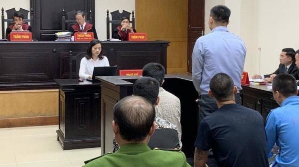 """Bà Rịa _ Vũng Tàu: Gây án vì cho rằng nhìn """"thách thức"""", lãnh 13 năm tù"""