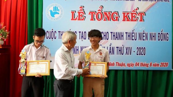 Học sinh iSchool Ninh Thuận sáng tạo chuồng nuôi heo tự động, sản xuất điện