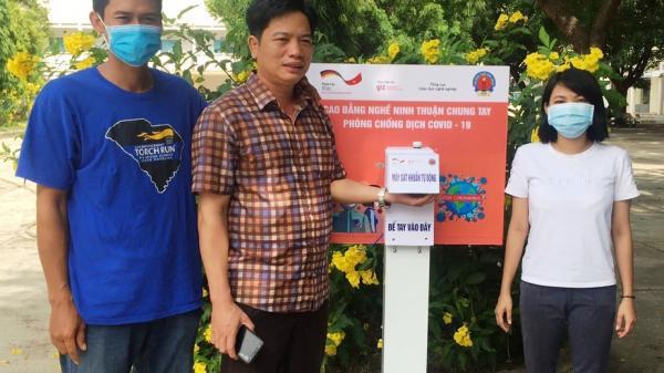 Ninh Thuận: Tặng máy rửa tay tự động cho các điểm thi