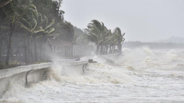 Áp thấp nhiệt đới gần Biển Đông, mạnh lên thành bão trong vài ngày tới
