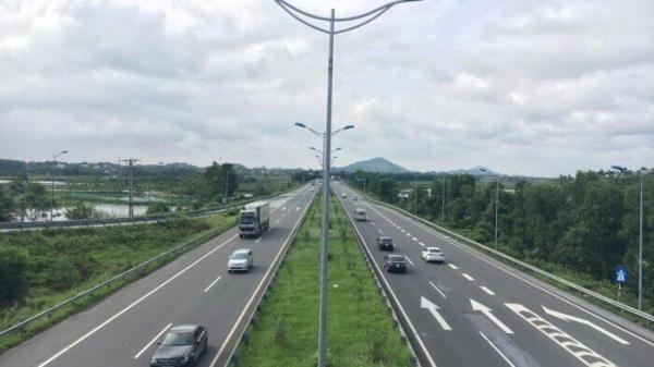 Chạy nước rút di dời hạ tầng kỹ thuật cao tốc Cam Lâm – Vĩnh Hảo qua Ninh Thuận