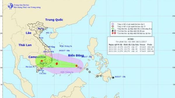 Bão số 14 giật cấp 11 cách bờ biển Nam Trung Bộ 450km, đêm nay nhiều nơi có mưa to