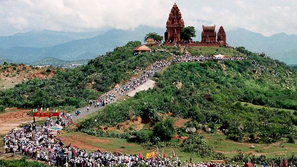 Tháp Po Klong Garai đón 123.000 lượt khách