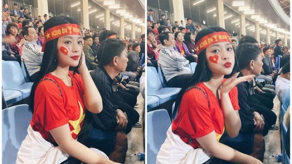 Tìm ra info cực khủng của nữ CĐV xinh đẹp gây sốc giữa trận Việt Nam - Thái Lan vừa qua: Tiết lộ vé do một cầu thủ gửi tặng
