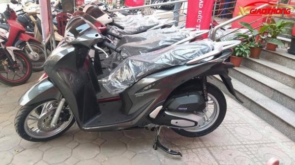 Sát Tết, giá bán xe máy Honda SH 150 2020 leo thang từng ngày một
