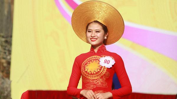 """Tâm sự chân thành của hotgirl Phú Thọ: """"Nếu trở thành Hoa hậu biển Việt Nam Toàn cầu năm nay, tôi sẽ đi làm từ thiện đầu tiên""""…"""