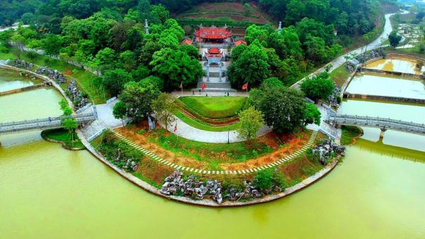 """Chiêm ngưỡng thế """"sơn chầu thủy tụ"""" của Đền Quốc tổ Lạc Long Quân ở Phú Thọ"""