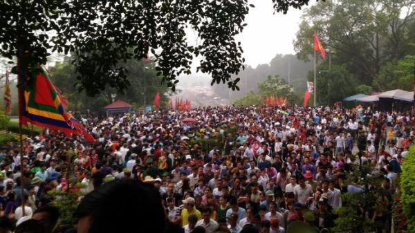 Hàng trăm trinh sát hóa trang bảo vệ Lễ hội Đền Hùng 2018