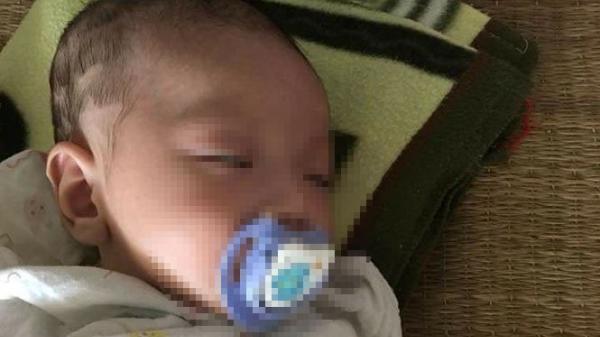 Xe khách đi đến tỉnh Phú Thọ, 1 phụ nữ nhờ hành khách bế con rồi bỏ lại bé trai 1 tháng tuổi