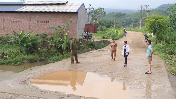 Tân Sơn: Một người bị lũ cuốn mất tích khi qua đập tràn