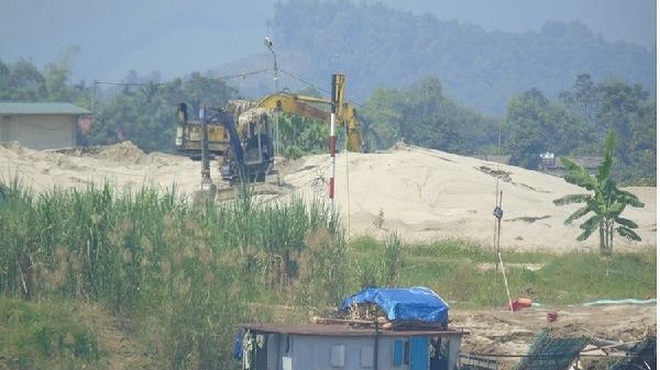 Phú Thọ: Bến bãi không phép ngang nhiên hoạt động, 'qua mặt' các cơ quan chức năng…?