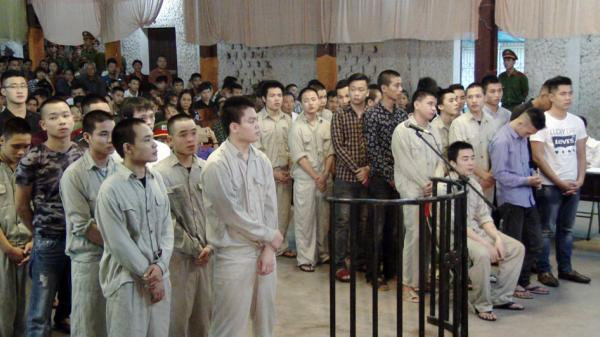Hơn 30 năm tù cho nhóm thanh niên gây rối trật tự công cộng ở Thị xã Phú Thọ