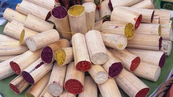 Cơm lam - món ăn đặc trưng của người Mường Thanh Sơn