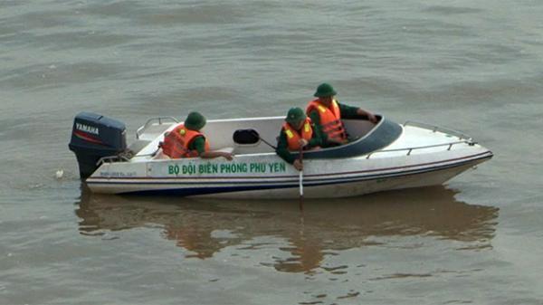 Để lại xe máy, nam thanh niên gieo mình xuống sông Đà Rằng tự tử