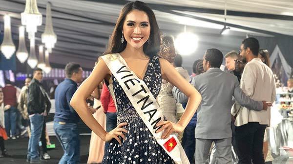 Không chỉ phát cuồng trước U23, người dân Phú Yên còn nức lòng trước tin người đẹp Tường Linh đoạt danh hiệu Hoa hậu được yêu thích nhất