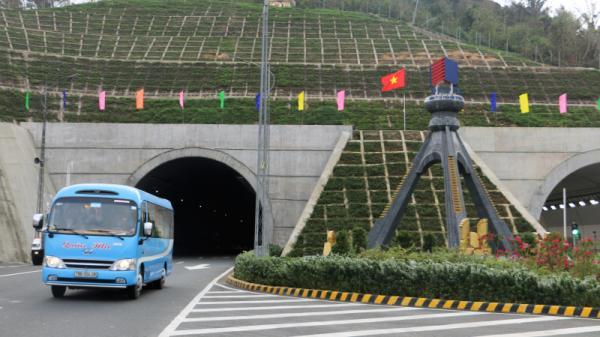 Phú Yên: Trung chuyển xe máy qua hầm Đèo Cả vào dịp Tết Nguyên đán