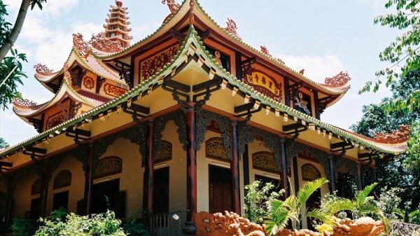 Những ngôi chùa linh thiêng ở miền Trung nên đi lễ ngày Tết