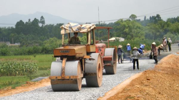 Truy tố trưởng, phó thôn 'rút quỹ' xây dựng đường giao thông