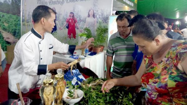 Ngày hội Du lịch Phú Yên thu hút hơn 40.000 lượt khách tham quan, mua sắm