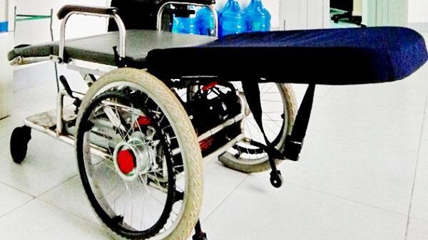 Phú Yên: Nhóm giảng viên chế tạo xe lăn đa năng