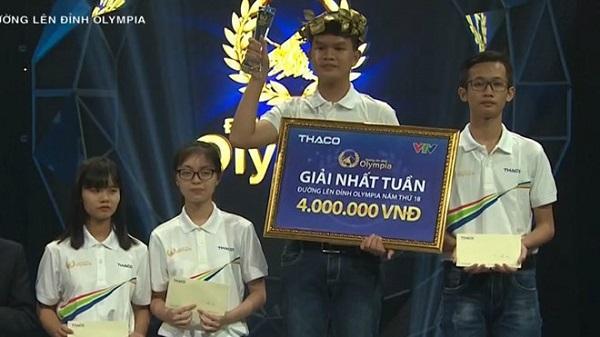 Nam sinh Phú Yên 'quá nhanh, quá nguy hiểm' ở cuộc thi tuần Olympia