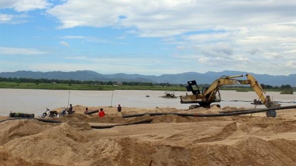 Phú Yên: Một khúc sông, 5 doanh nghiệp được phép hút cát