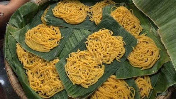 Lạ lùng món bún làm từ bắp chỉ có ở Phú Yên