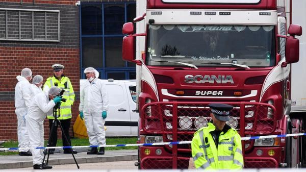 Cảnh sát Anh công bố quy trình nhận d ạng 39 th i th ể trong xe tải đông lạnh: Điều tra hơn 500 t ang v ật