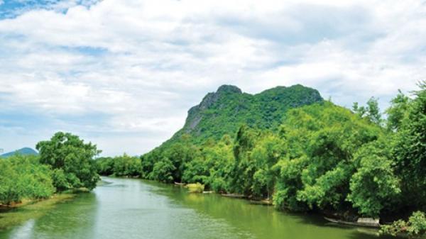 Đến núi Thần Đinh - Quảng Bình, nơi không chỉ đẹp mà còn nổi tiếng linh thiêng