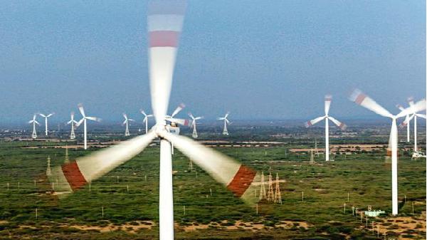 Quảng Bình vào 'tầm ngắm' của tập đoàn đầu tư phát triển năng lượng tái tạo AT Capital