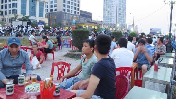 Vùng biển miền Trung sôi động trở lại: Tấp nập biển Quảng Bình