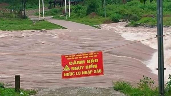 Quảng Bình: Nguy cơ sạt lở, 25 công nhân thủy điện di chuyển đến khu vực an toàn