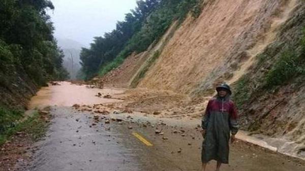 Quảng Bình: Mưa lũ làm 4 người chết và mất tích, hàng ngàn nhà dân bị ngập