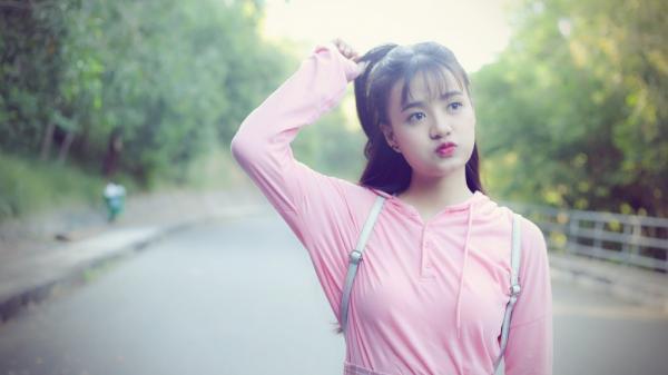 """Hot girl Quảng Bình tung MV mới khẳng định bản thân, quyết bỏ mác """"cặp đôi màn ảnh"""" với Sơn Tùng MTP"""