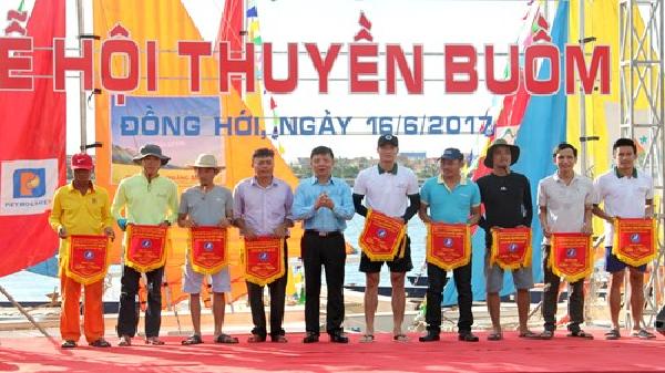 Quảng Bình: Tổ chức lễ hội thuyền buồm trên sông Nhật Lệ