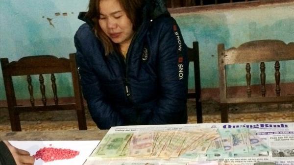 Quảng Bình: Bắt đối tượng nữ vận chuyển gần 700 viên ma túy từ Lào về Việt Nam tiêu thụ