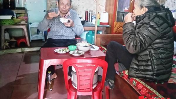 """Quảng Bình: Chạnh lòng những ngày giáp Tết ở """"xóm chạy thận"""""""