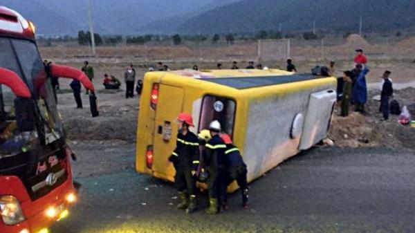 Vụ lật xe khách làm 13 người thương vong: Lời kể các nạn nhân
