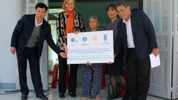 Gần 30 triệu USD xây nhà an toàn cho người dân ven biển