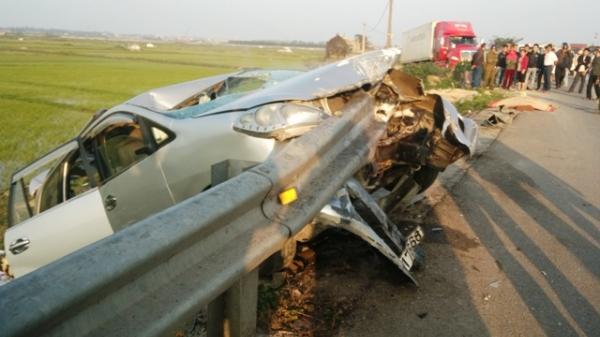 Quảng Bình: Xe 7 chỗ mất lái trên QL1A, 7 người thương vong