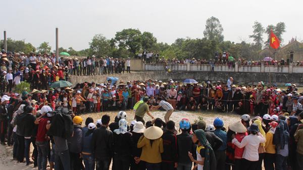 Du xuân với lễ hội cầu yên Quảng Phương