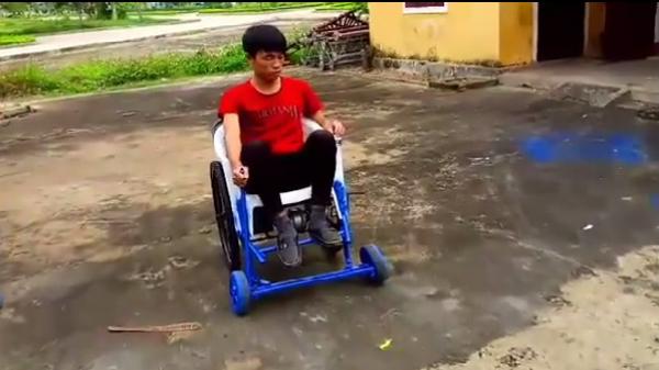 9X Quảng Bình sáng chế xe lăn điện từ phế liệu vì người nghèo