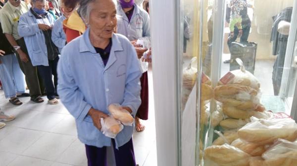 Bố Trạch: Mở tủ bánh mỳ miễn phí cho bệnh nhân nghèo
