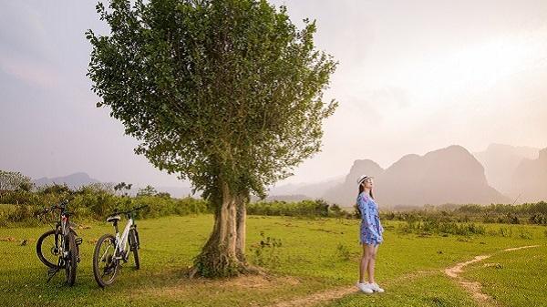 """Điểm đến HOT nhất mùa hè nơi miền đất nắng Quảng Bình: Khu cắm trại cứ đi 1 bước là có cả chục bức ảnh """"sống ảo"""""""